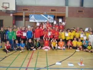 Gruppenbild unserer AG-Kinder auf dem 1. Federleicht-Cup