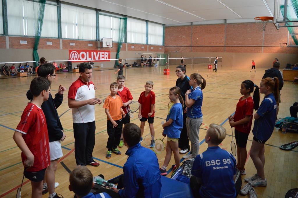 Trainer und Spieler stimmen sich auf's Turnier ein.s